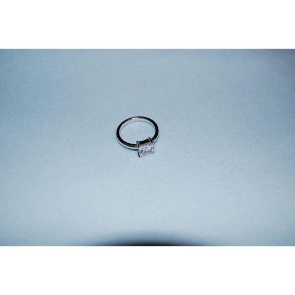 """Ring """"Square White Light"""" von Esprit, Silber mit synth. Stein - sieht so gut aus ;-)"""