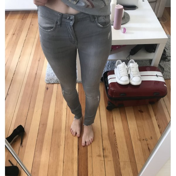 Röhrenjeans Skinny jeans grau waisted elastisch 34