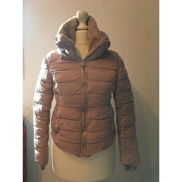 Rosa Winterjacke von Zara