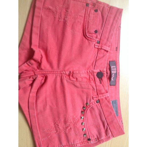Rote Jeans hotpants :)