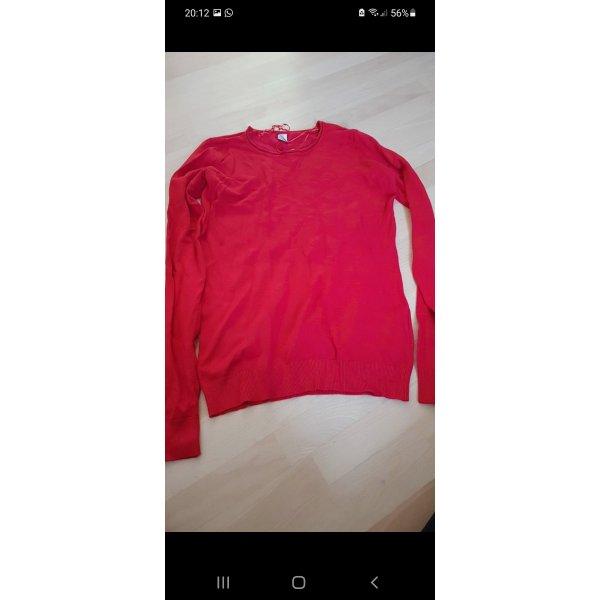 Rote Pullover