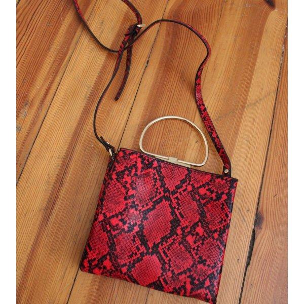Rote Umhängetasche mit Schlangenprint