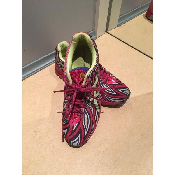 Running shoes Turnschuhe Marathon ASICS Noosa