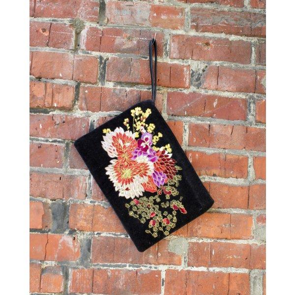 Samt Clutch / Blumen Tasche / Mango