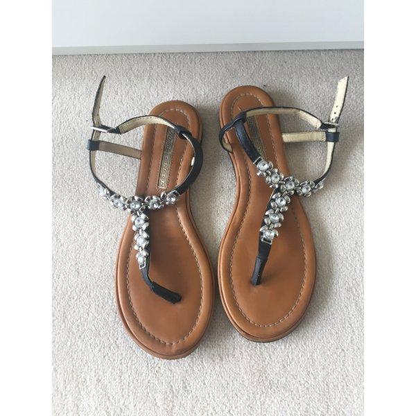 Sandale von Buffalo mit Details