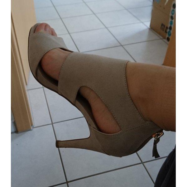 Sandaletten in beige