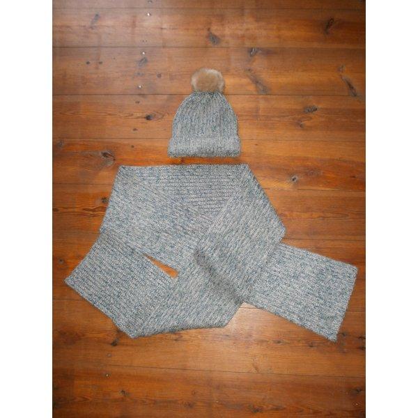Chapeau en tricot bleu azur