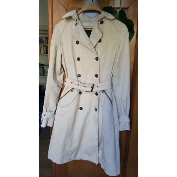 Schicker Trench-Coat in hellem Beige