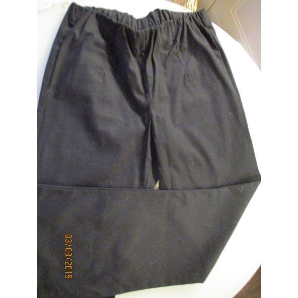 Schlupfhose schwarz leicht ausgestelltes Bein