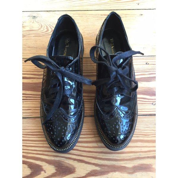 Schnürschuhe Loafer aus Lackleder Lack schwarz von TATA ITALIA mit massiver Sohle – 38