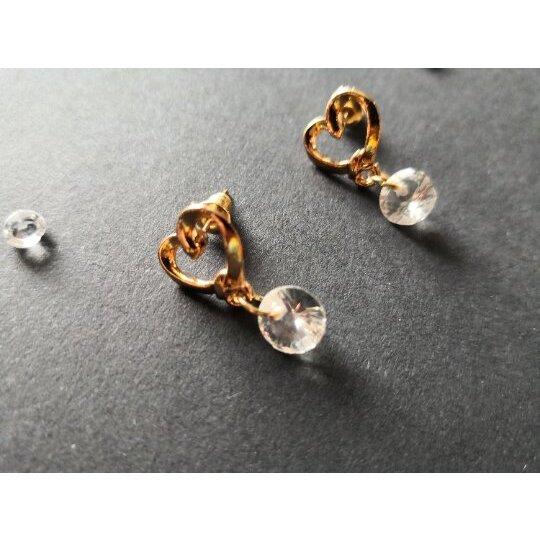 Schöne goldfarbenee Ohrringe, Ohrstecker ,sehn wirklich schön aus am Ohr.... #Topshop