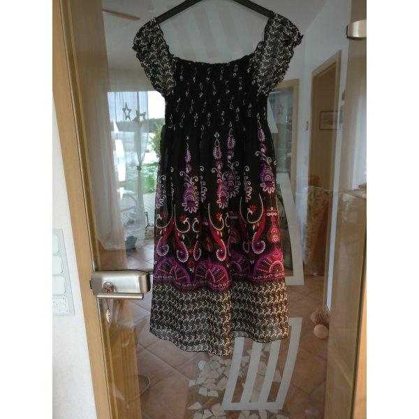 Schönes schwarzes Indie-Kleid von Orsay