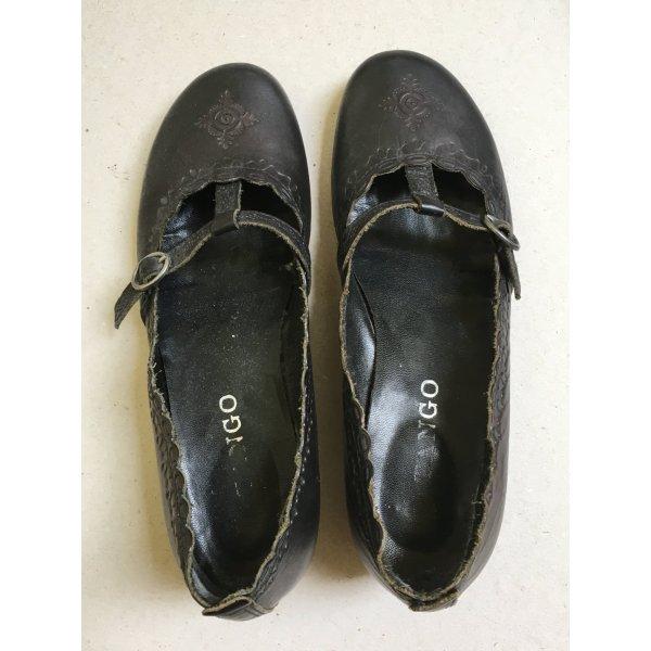 Schuhe mit kleinem Absatz - Marke Tango