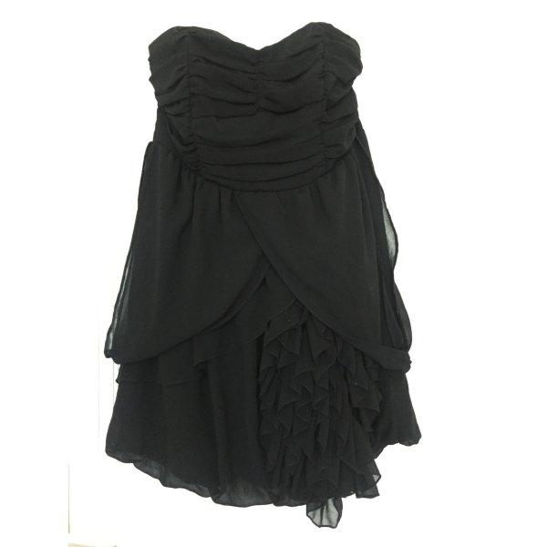 Schulterfreies, schwarzes Abendkleid