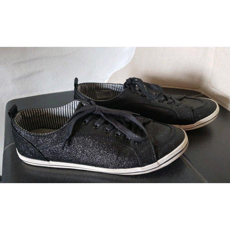 schwarz glitzernde Sneaker