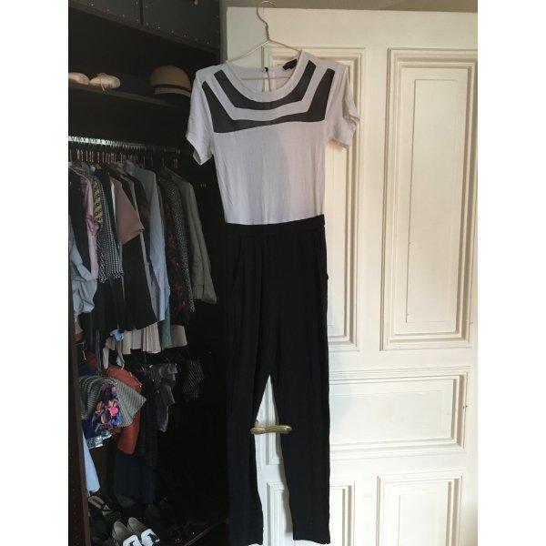 Schwarz weißer playsuit Anzug Einteiler high waist asos Brit  tshirt Rückenausschnitt