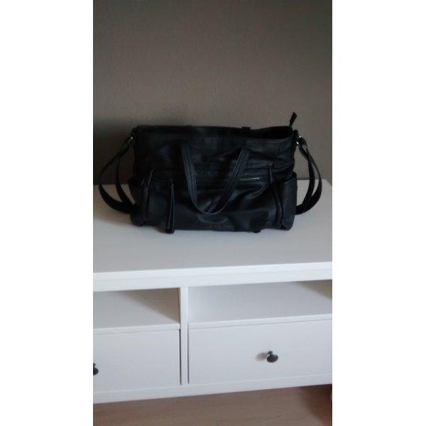 Schwarze Handtasche von Mango