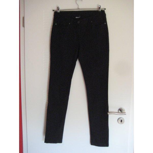 Schwarze Jeanshose in weicher Qualität