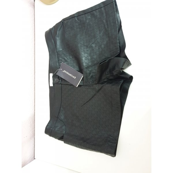 schwarze Ledershorts
