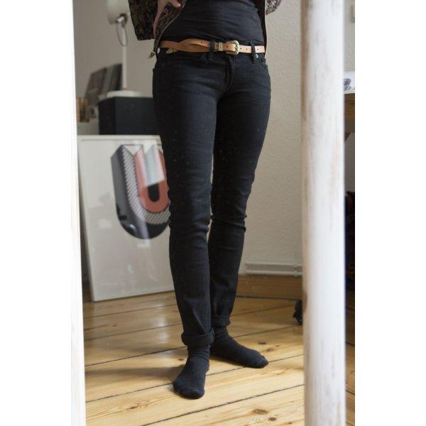 "Schwarze Levi`s Skinny Jeans – ""524 too superlow"""