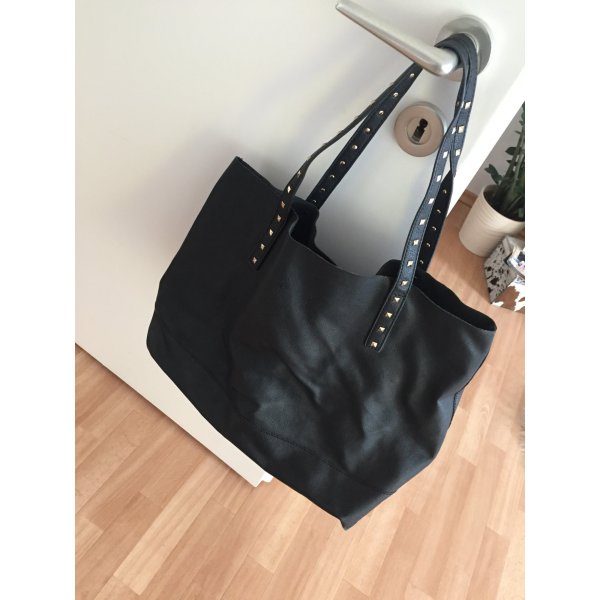 Schwarze Shopper in Lederoptik
