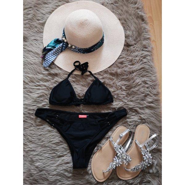 Schwarzer Bikini