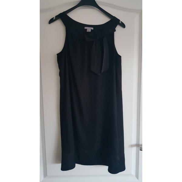 Schwarzes Kleid A-Linie