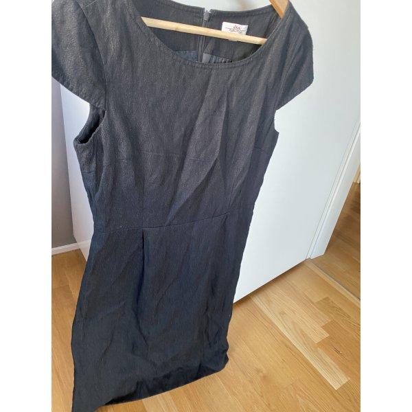 Schwarzes Kleid S 36 S.oliver