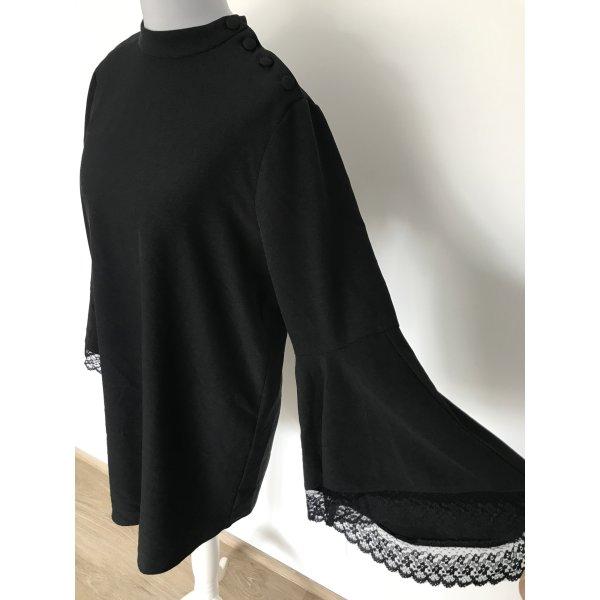 schwarzes Kleid von Zara mit Spitzentrompetenärmel