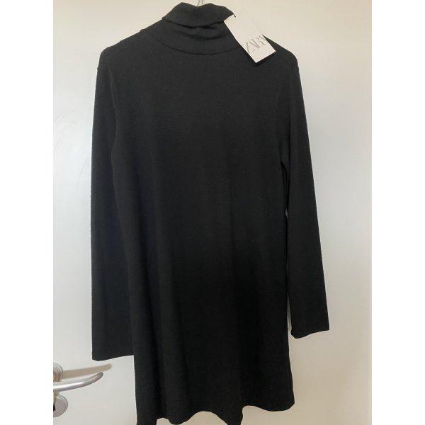 Schwarzes langarm Kleid