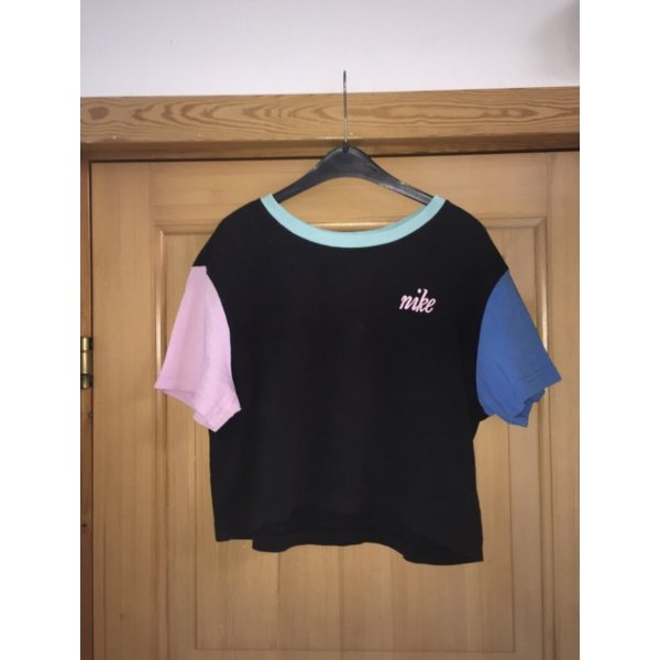 Schwarzes Nike T-Shirt