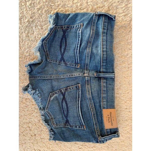 Sehr gut erhaltene Shorts von Abercrombie & Fitch, W26