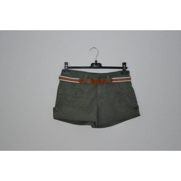 Shorts cargo khaki mit Gürtel NEU