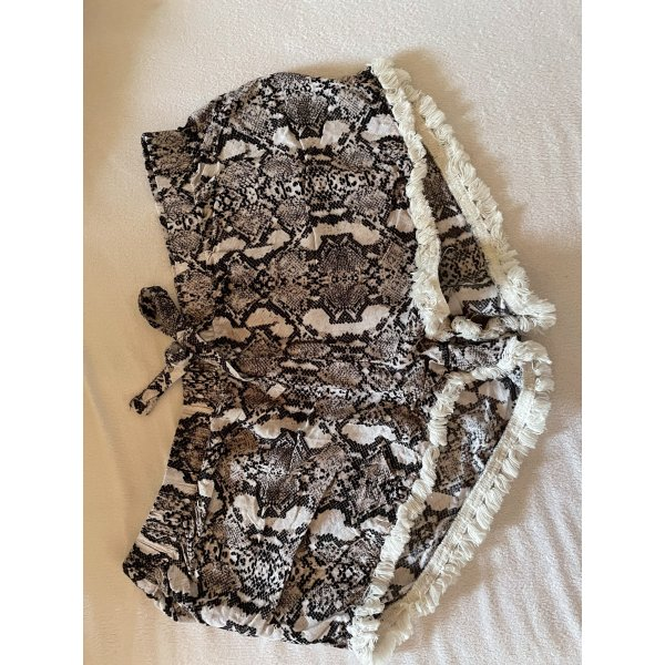 Shorts mit Snakeprint