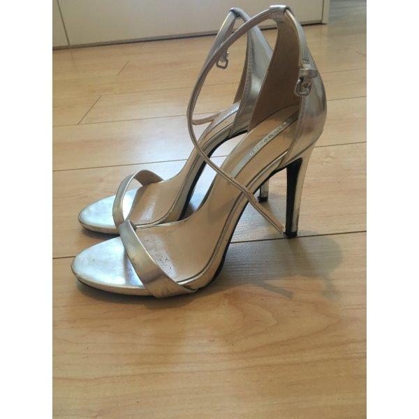 Silberne Sandaletten