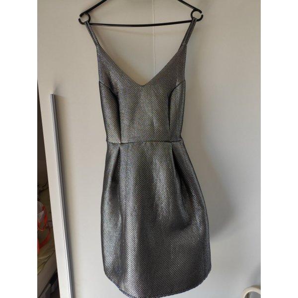 silbernes Kleid