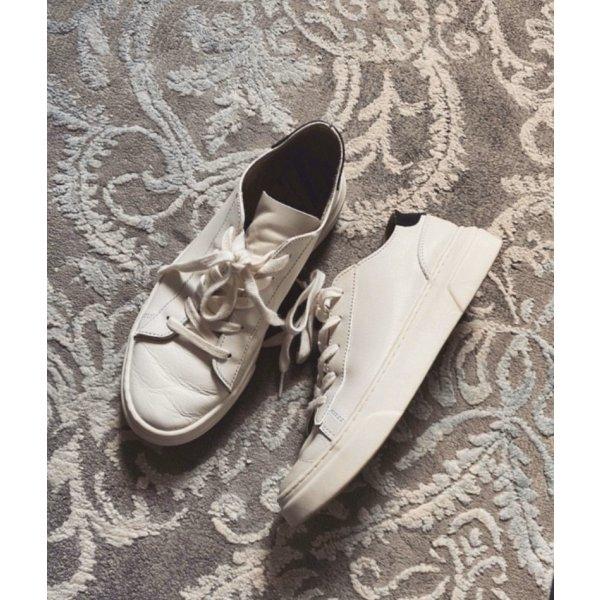 Sneaker Basic Leder Zara
