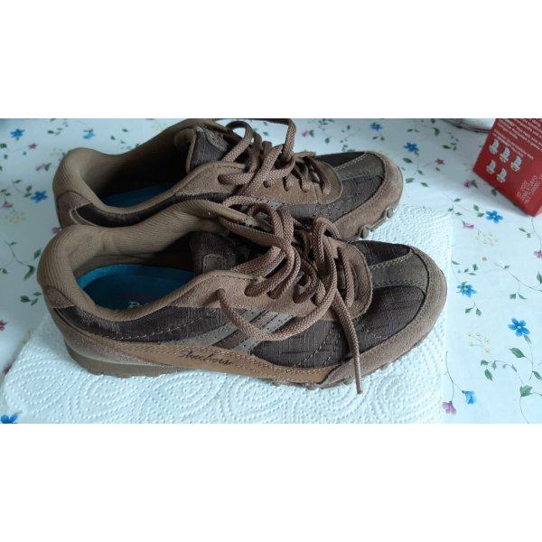 Sneaker / skechers