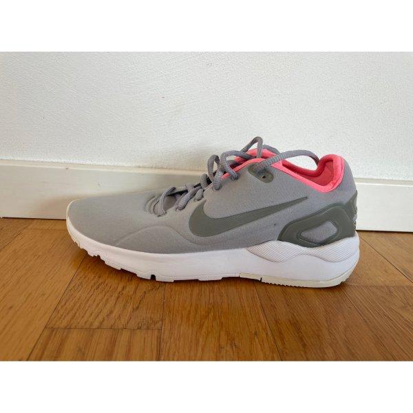 Sneakers / Nike
