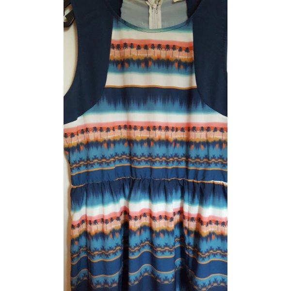 Sommerkleid von Sugarhill Boutipue mit Jäckchen/Cardigan