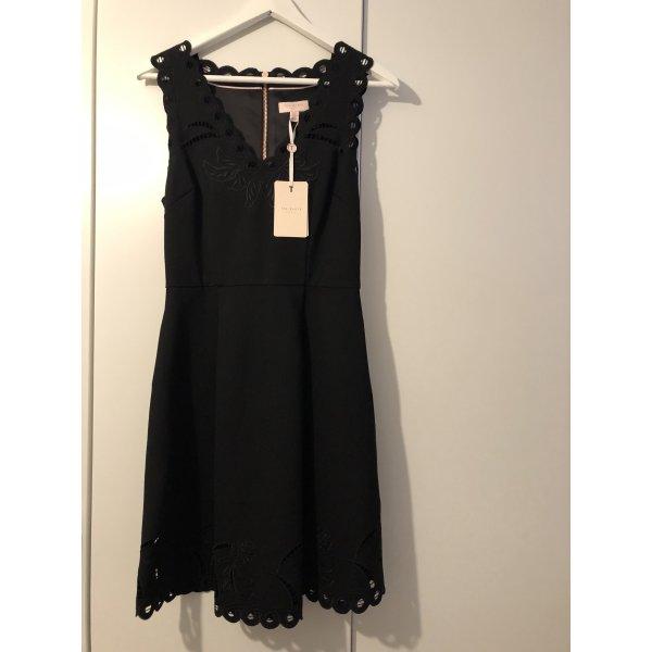 Stilvolles Kleid von TED Baker
