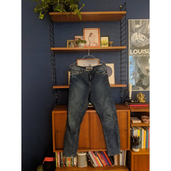 Stretchy slim fit blue jeans