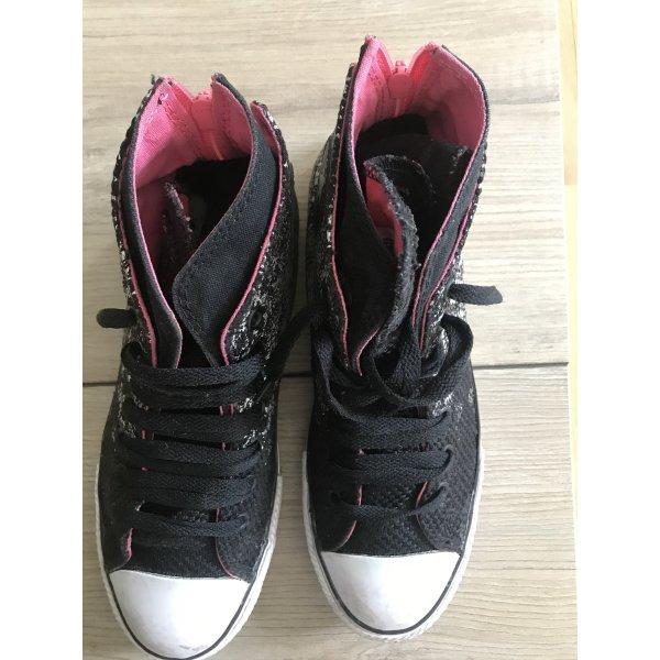 Stylische Converse Sneaker