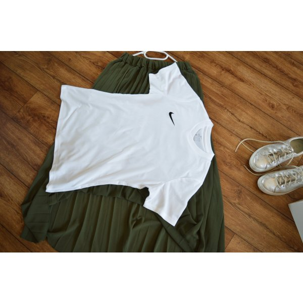 Süßes Nike Dri-Fit Shirt Gr. 42