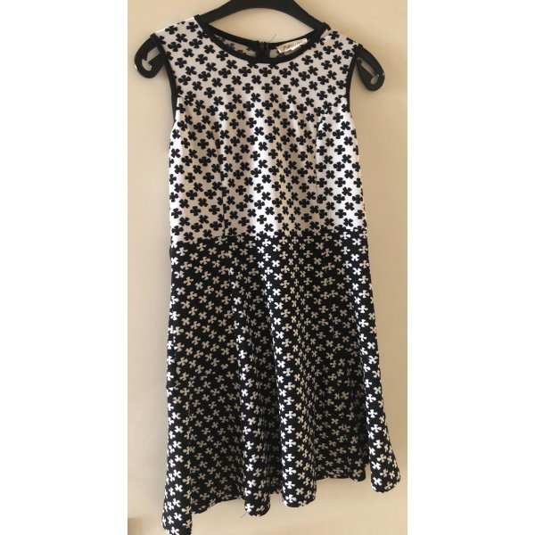 Süßes Sommerkleid, schwarz/weiß. Neu!