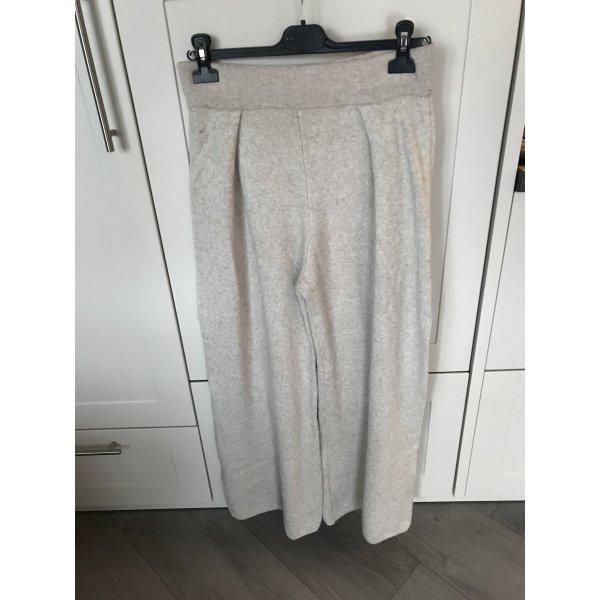 Super kuschelige ausgestellte Hose!