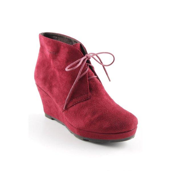 Tamaris Keil-Stiefeletten dunkelrot Street-Fashion-Look