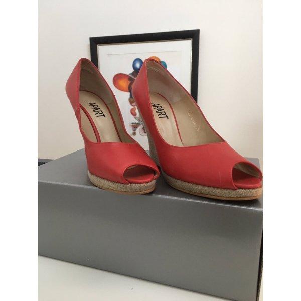 Tolle rote Wedges von Apart / Keilabsatz Schuhe rot Peeptoes
