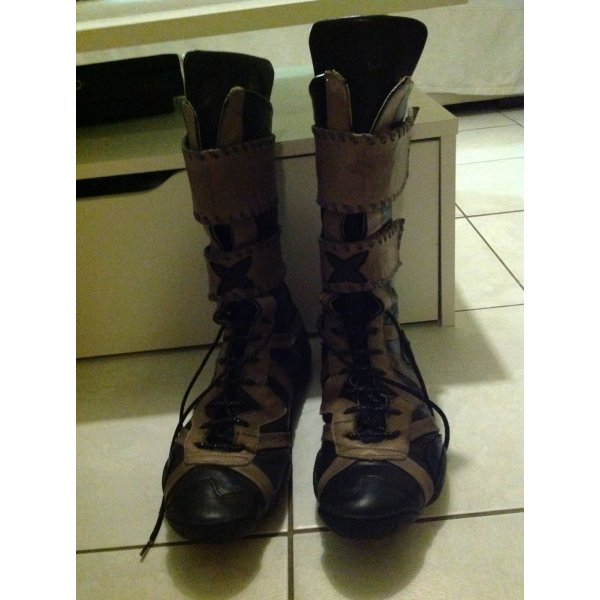 Tolle Stiefel Girbaud 41
