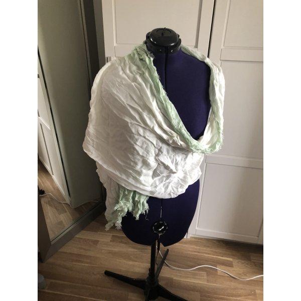 Toller leichter Schal in hellgrün